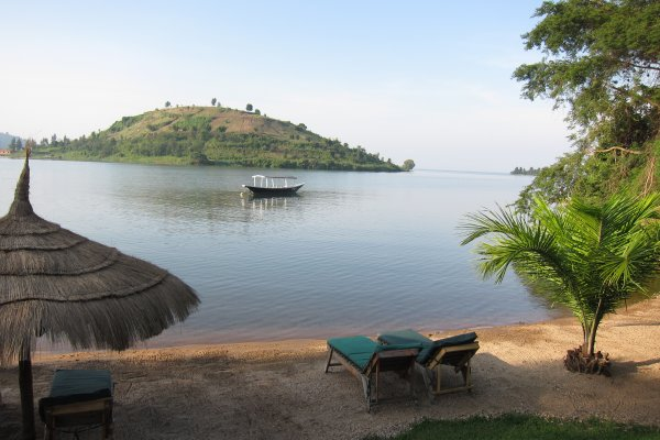 The-Shores-of-Lake-Kivu